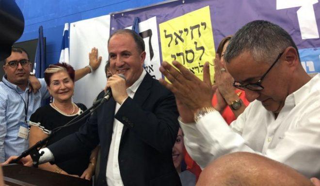 """החגיגות החלו: ראש העיר ד""""ר יחיאל לסרי ניצח בסיבוב ראשון"""