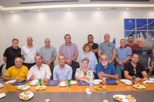 חברת נמל אשדוד נפרדת מ-6 עובדים שפורשים לגמלאות