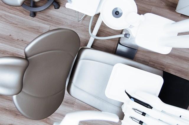 5 דברים שחשוב לדעת לפני שעוברים השתלת שיניים