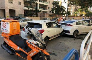 נהג התנגש בשני רכבים חונים ברחוב שבט לוי בעיר