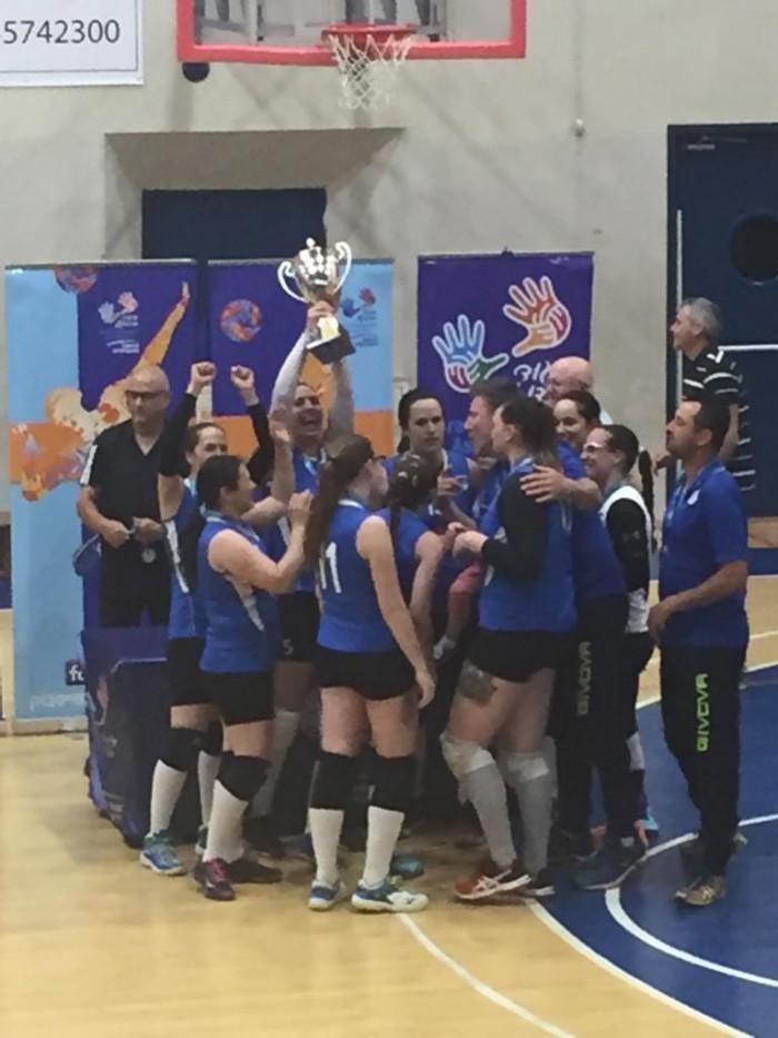 קבוצת כדורעף הנשים של מכבי אשדוד זכתה בגביע האיגוד ובדאבל