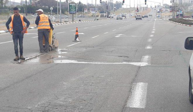 מתקנים כבישים עירוניים באשדוד אחרי חורף קשה