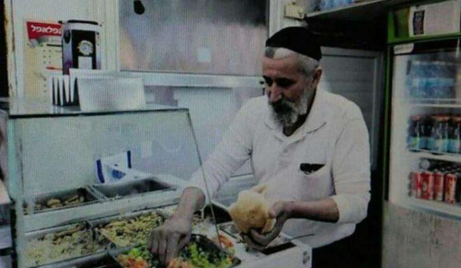 עצוב: מוכר הפלאפל המיתולוגי של העיר אשדוד הלך לעולמו