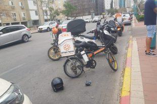 שני רוכבי אופנוע נפגעו מרכב