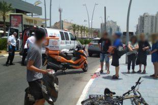 נערה שרכבה על אופניים חשמליים נפצעה מפגיעת רכב באשדוד