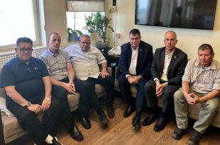 """יו""""ר ההסתדרות ארנון בר-דוד, יצחק מויאל וראול סרוגו, הכריזו על השנה הקרובה כשנת הבטיחות בענף הבנייה"""