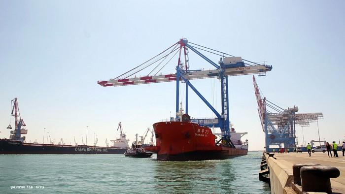 המנוף הגדול בנמלי ישראל הגיע לנמל אשדוד